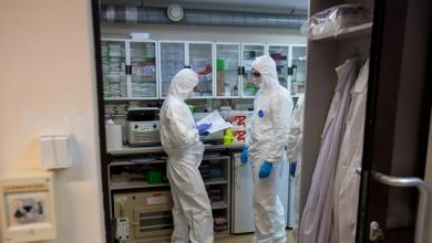 Photo of 832 حالة وفاة بفيروس كورونا في إسبانيا خلال 24 ساعة