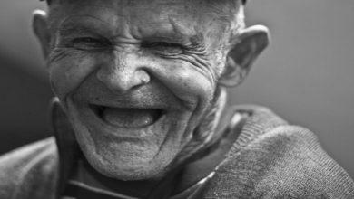 Photo of إيطالي ناج من الإنفلونزا الإسبانية عمره 101 عام يهزم كورونا الفتاك أيضا