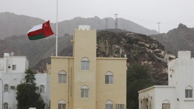 Photo of سلطنة عمان تسجل 21 حالة إصابة جديدة بمرض فيروس كورونا