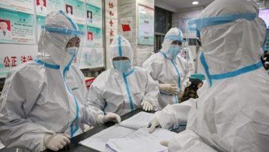 """Photo of لغز الفيروس التاجي .. تقرير مثير يلقي الزيت على نار """"نظرية المؤامرة"""""""