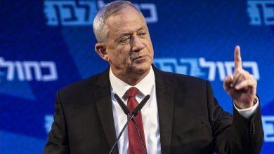 Photo of زعيم حزب أزرق-أبيض بيني غانتس يقدم طلب رسمي ليرأس الكنيست