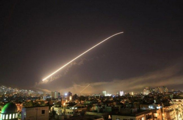 سقوط صاروخ