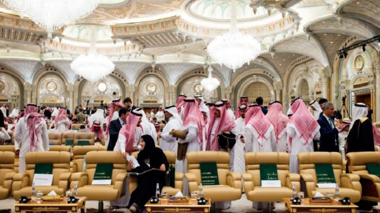 أمير سعودي يرد على خبر وجود إصابات بكورونا في العائلة الحاكمة