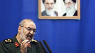 Photo of إيران تهدد باستهداف أي قطع حربية أمريكية تهدد أمنها في الخليج