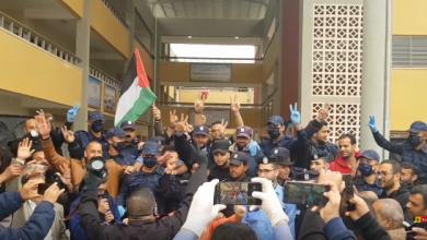 Photo of #فيديو مؤثر للحظة وداع بين عناصر الشرطة والمحجورين في قطاع غزة