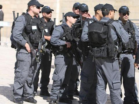 الشاباك يدعي إحباط هجوم كبير بالأحزمة الناسفة والأسلحة في القدس