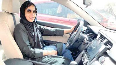 "Photo of شاهد .. سائقة ""تاكسي"" سعودية تسيء لشرطي مرور.. ومغردون يطالبون بالقبض"