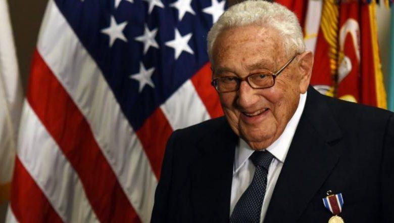 وزير الخارجية الأمريكي السابق يتنبأ بفوضى سياسية واقتصادية لأجيال بعد كورونا