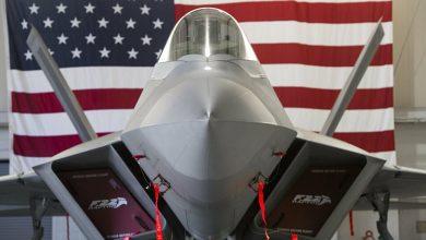 "Photo of طيار أمريكي يقارن بين ""إف-22″ و""يوروفايتر"""