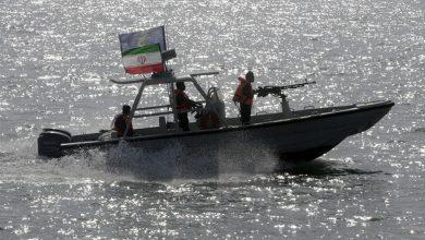 Photo of بعد أمر ترامب بتدمير الزوارق الإيرانية… هل تشتعل الحرب في الخليج؟