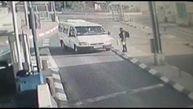 Photo of شاهد: لحظة تنفيذ عملية الدهس والطعن في القدس اليوم