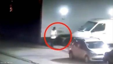 Photo of مصاب بكورونا فر من الإسعاف.. والشرطة ضبطته بعد مطاردة مثيرة