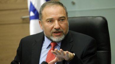 Photo of ليبرمان يُعلّق على اتفاق تشكيل الحكومة الإسرائيلية ويتوعد